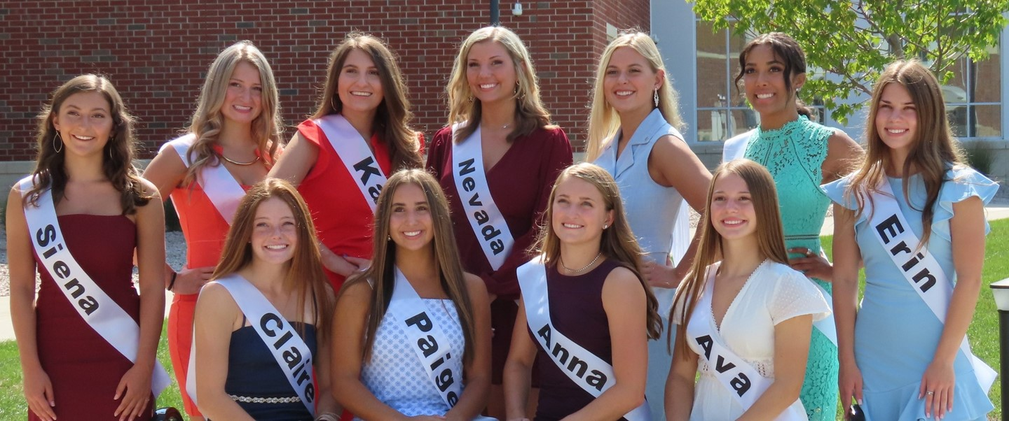 Group photo of 2020 TJ Homecoming Court